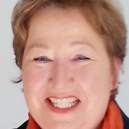 Carmen  Krämer
