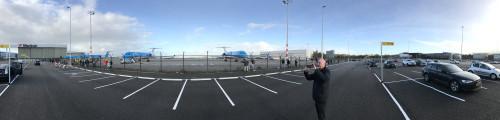 KLM Fokker Kunstwerk onthuld op Schiphol Oost