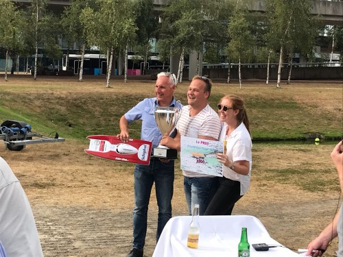 Spot Schiphol undefeated during Powerboat Challenge!