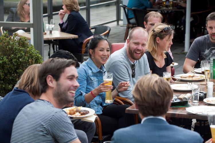 Gezellige Midzomer BBQ op Schiphol Oost