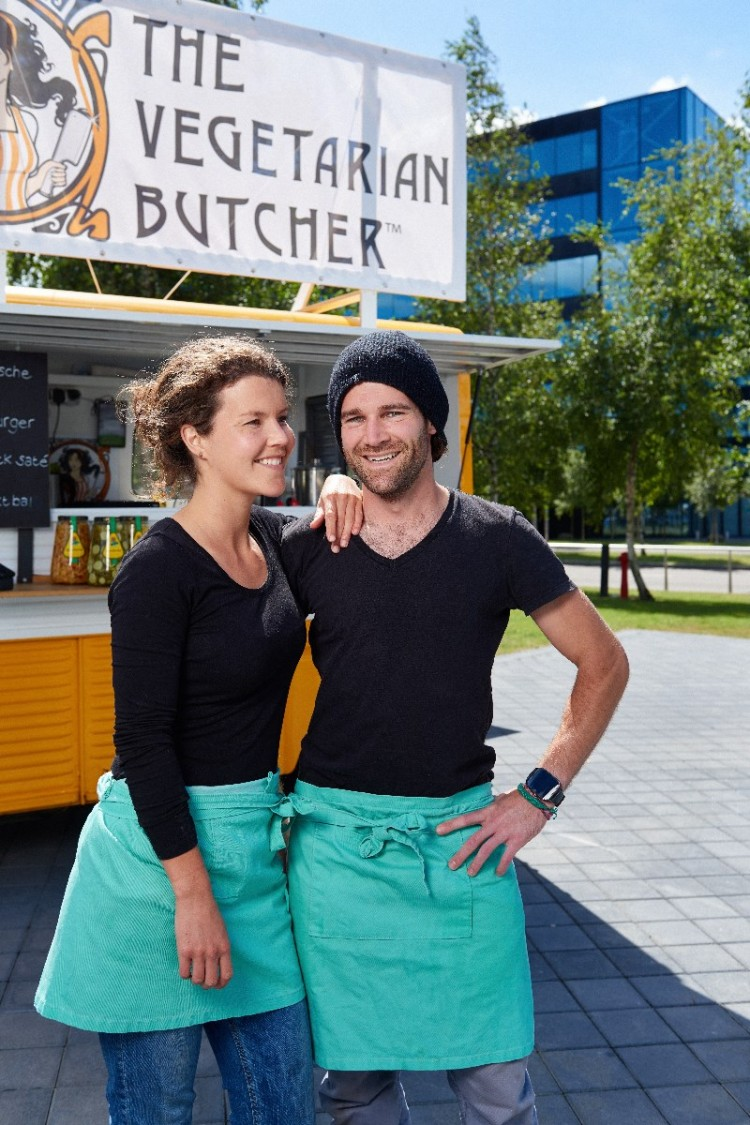 Honest, healthy and fast! Streetfood from the food truck at Schiphol Airport