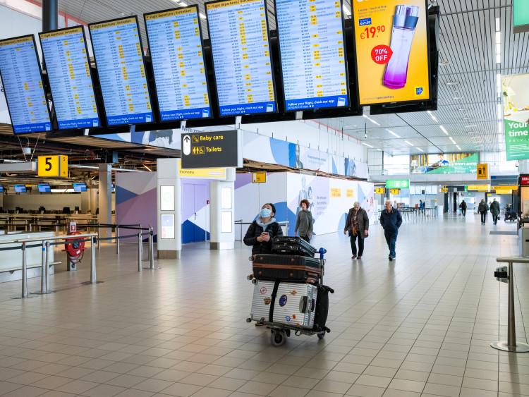 Video: it's quiet in the departure halls of Schiphol