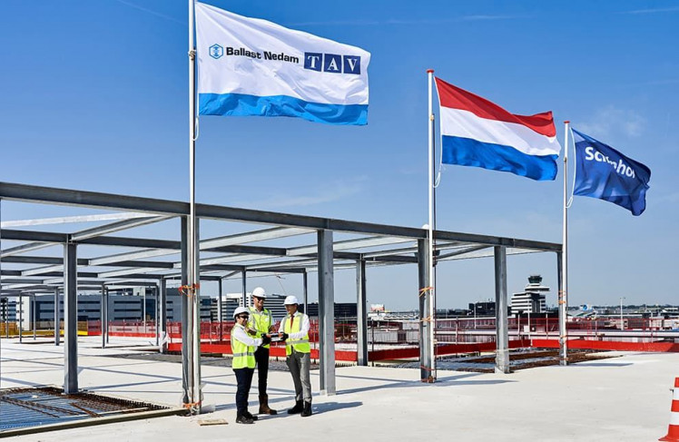 Raising the flag on 5,000 tonnes of steel