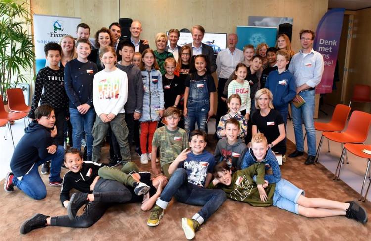 Raad van Kinderen adviseert Schiphol hoe een goede buur te zijn